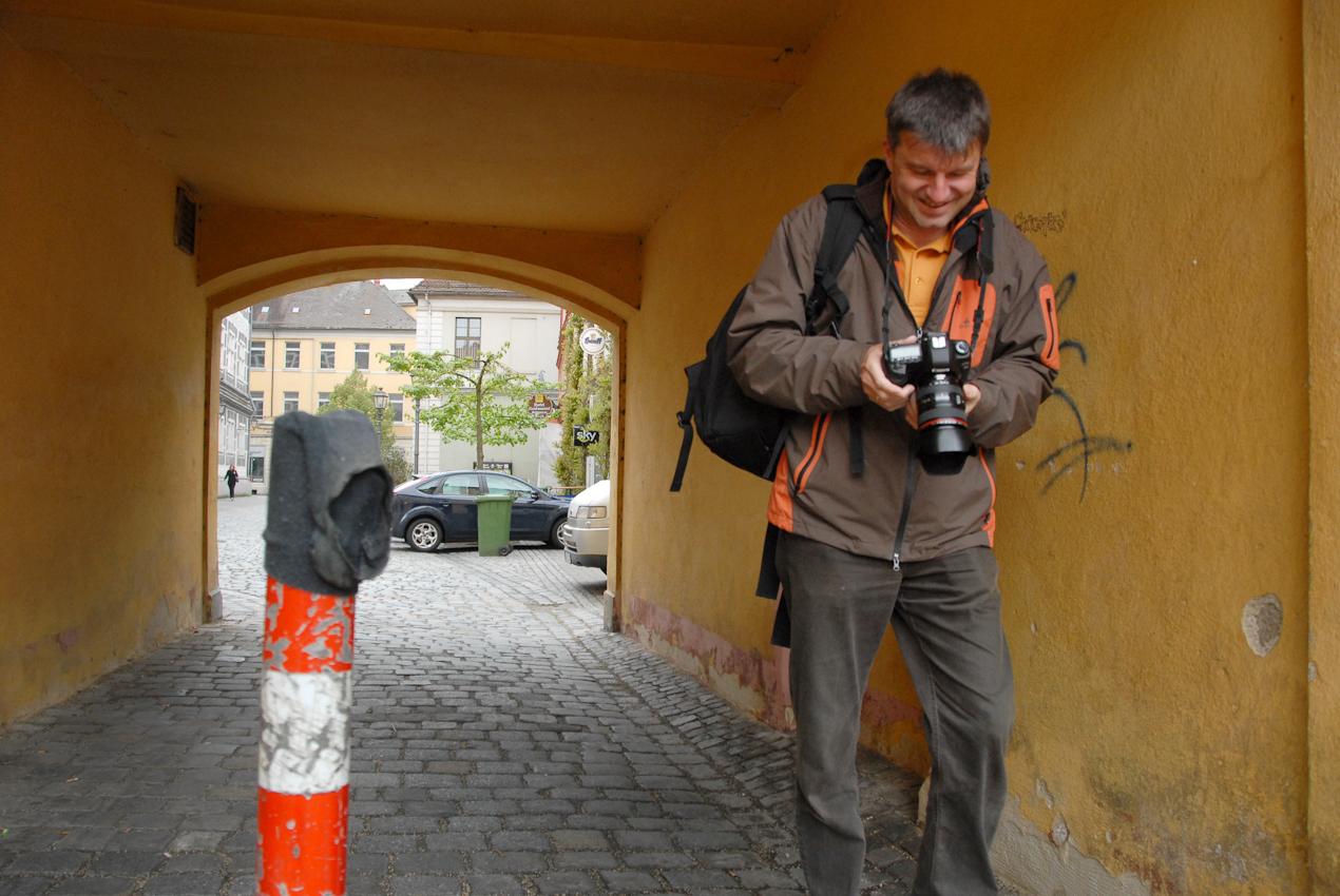 """TDG -  """"Making of"""": Thomas Geiger fotografiert Jim Albright für Ein Tag Deutschland"""